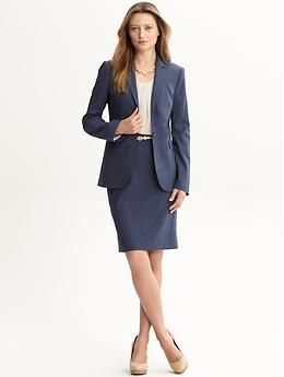 (What to wear to an interview) A navy blue suit is a nice interview option.  Appropriate shoe colors to wear with a navy suit are generally nude or  black. 0b8f82d2ca
