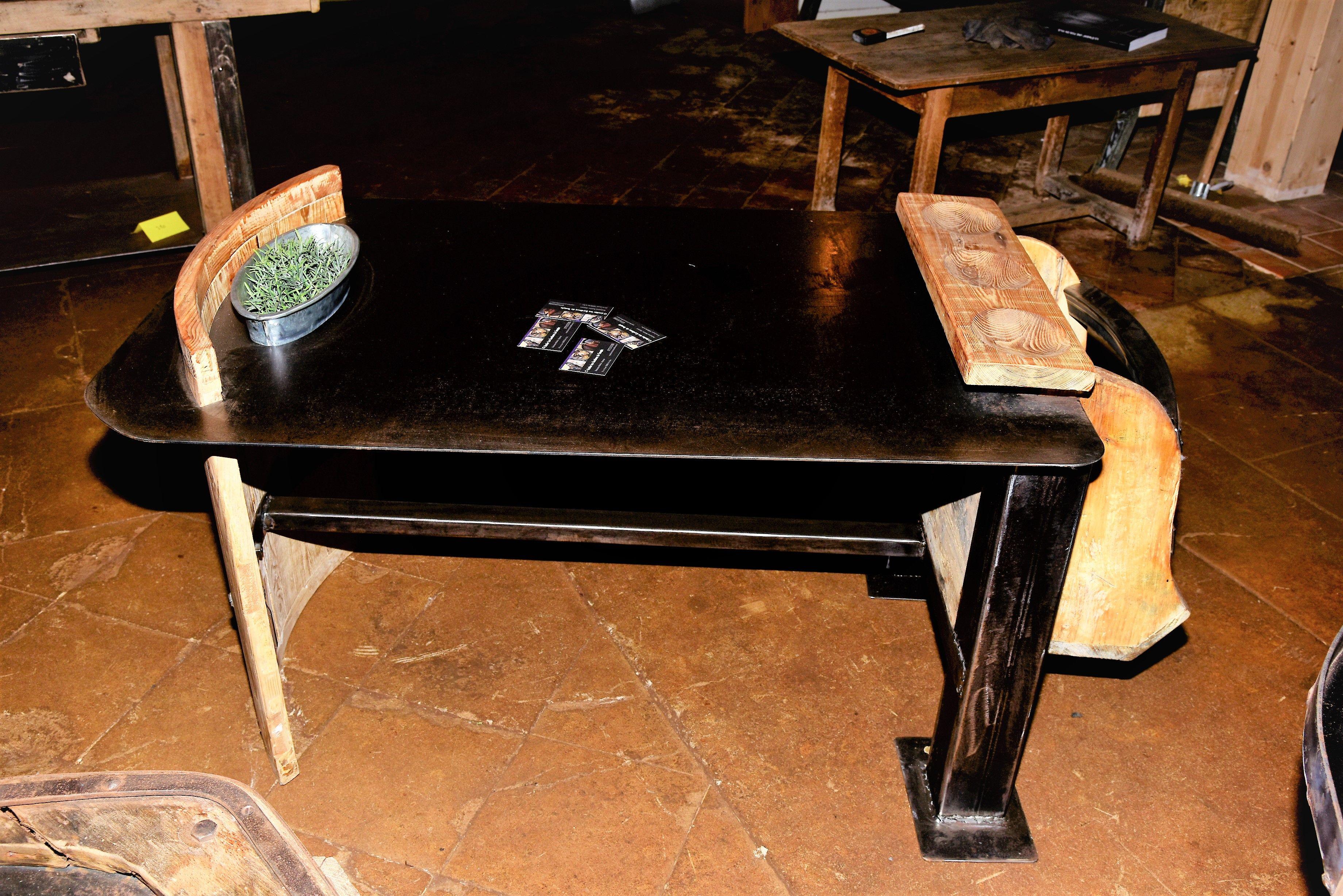 Table Apero Sur Atelier Les Gardiens Du Temple Mobilier Salle De
