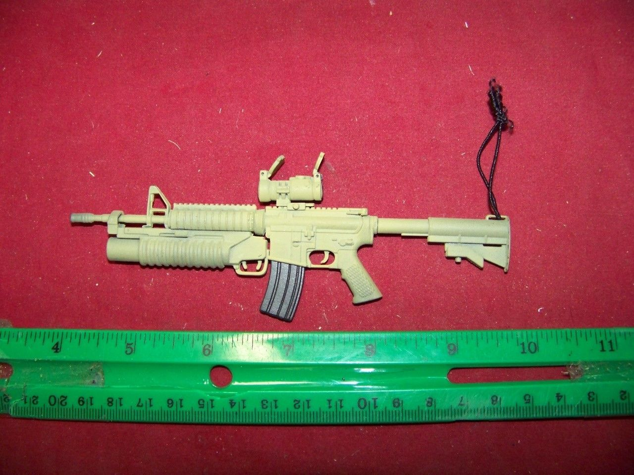 1/6th Scale Hot Toys M4 w/Grenade Launcher Tan