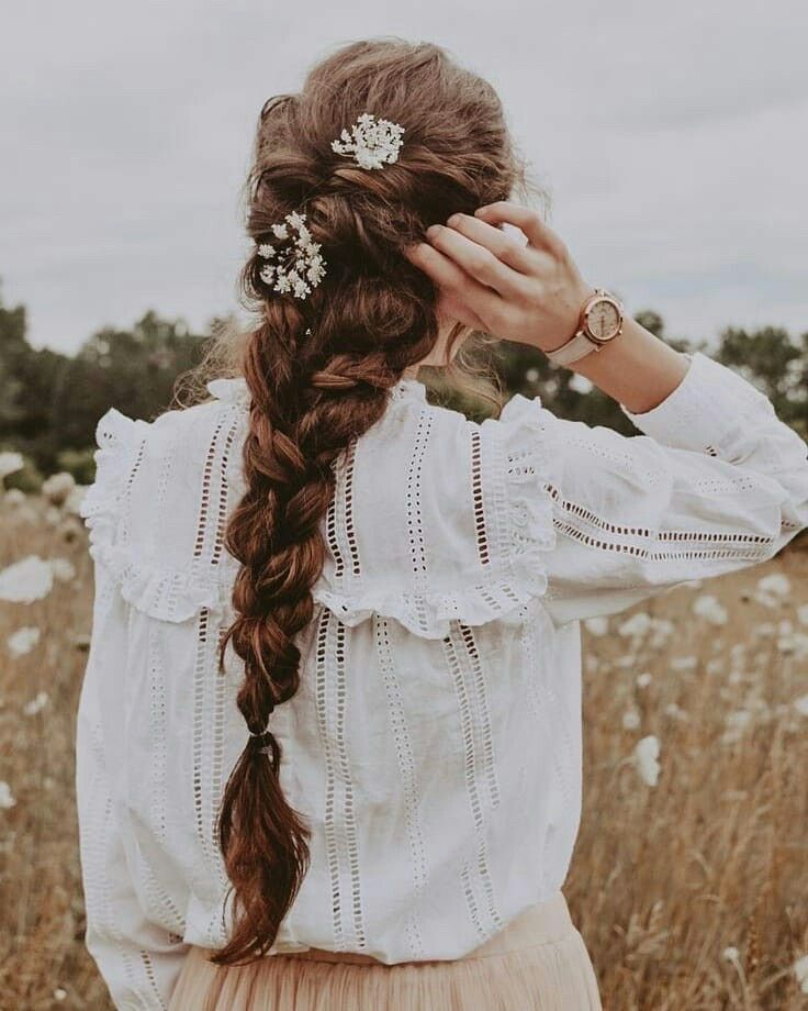 18+ Cottagecore Hair & Hairstyles For A Dreamy Loo
