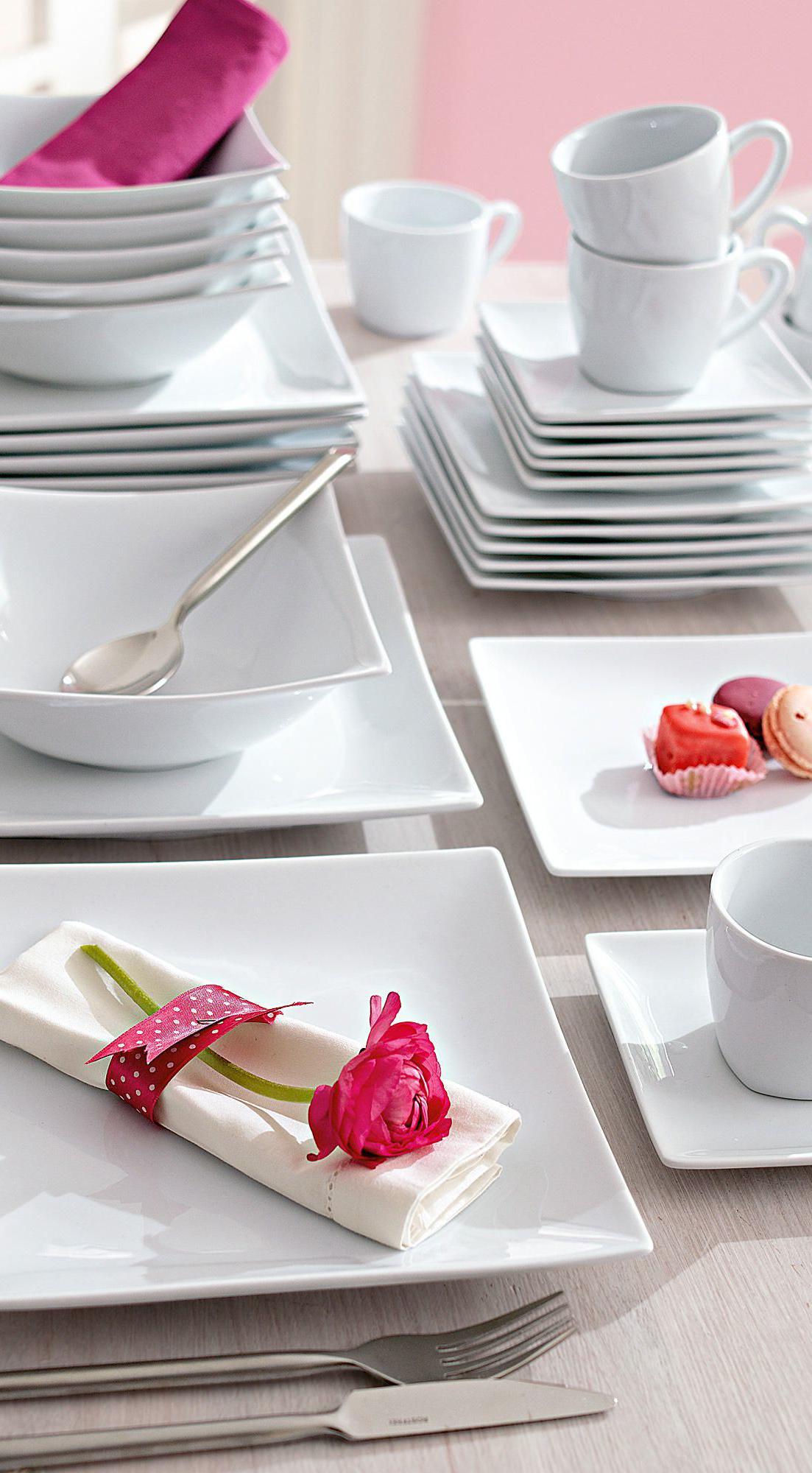 Tafelservice Mit Elegantem Und Modernem Design In Quadratischer Form Utensilhos De Cozinha Design De Cozinha Moderna Decoracao De Casa