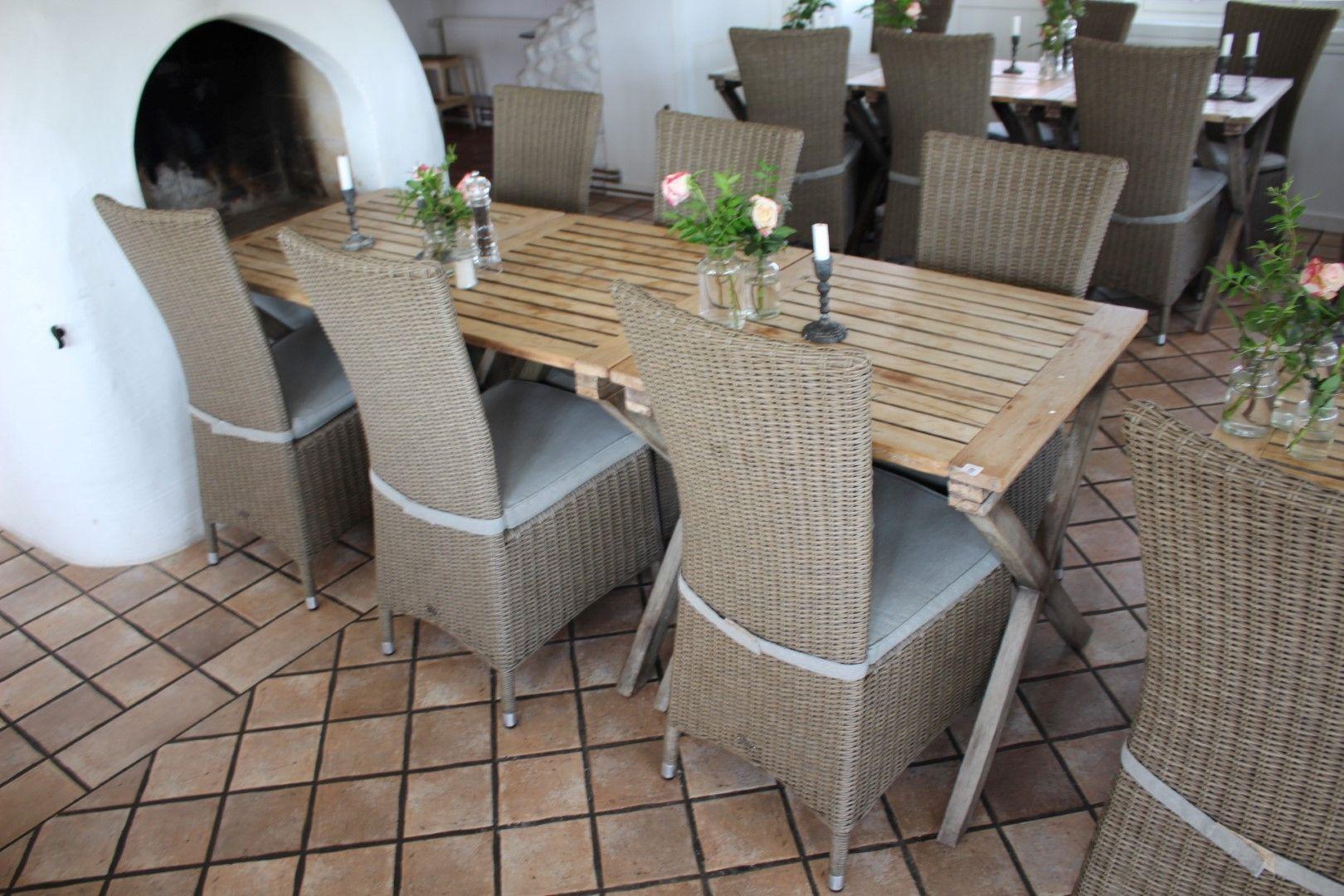 Köksbord med 4 stolar Nätauktioner & Konkursauktioner