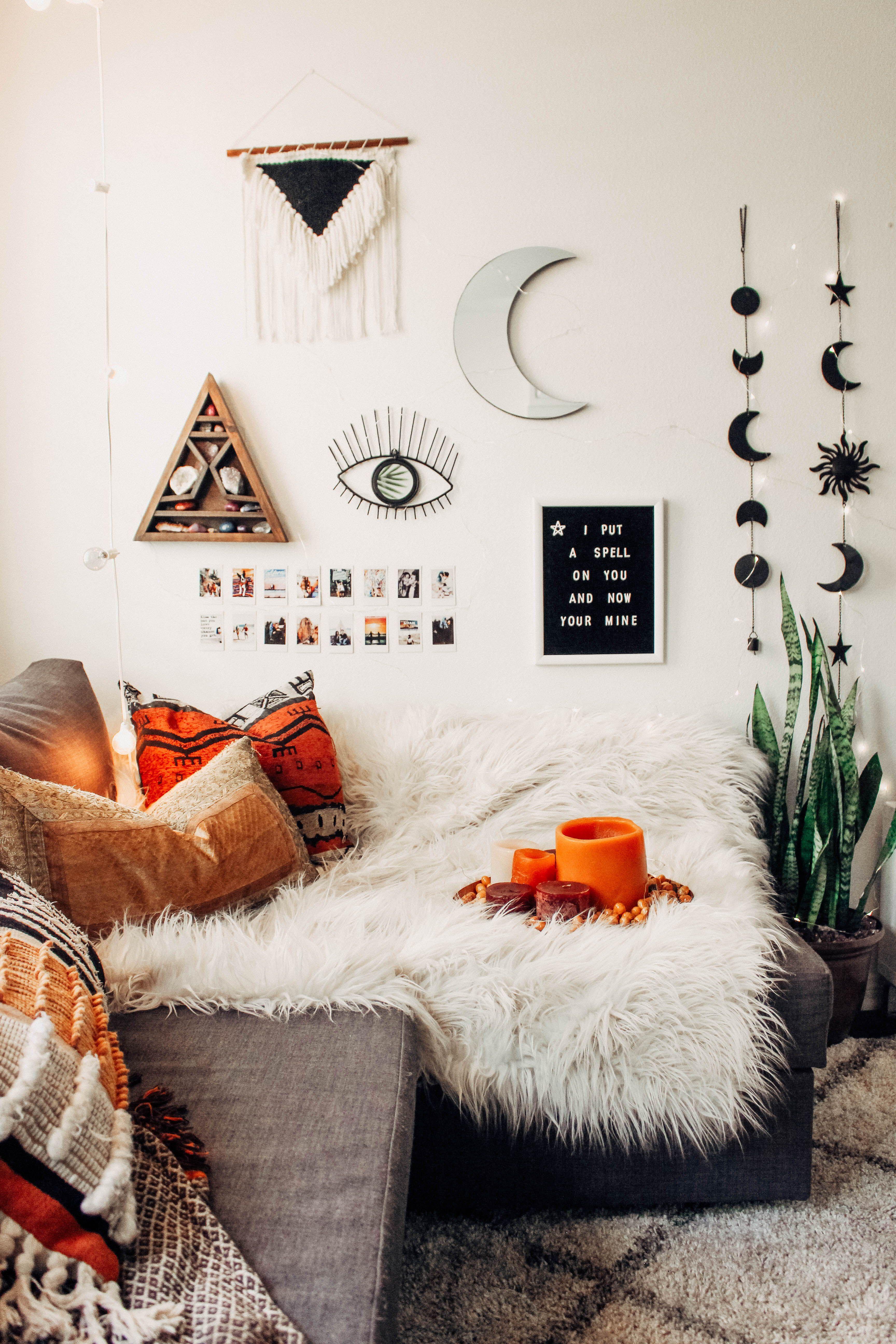Homedecor homedecorideas mobilia artistic bedroom halloween dream rooms also best home decor images in inspo mint bedrooms rh pinterest