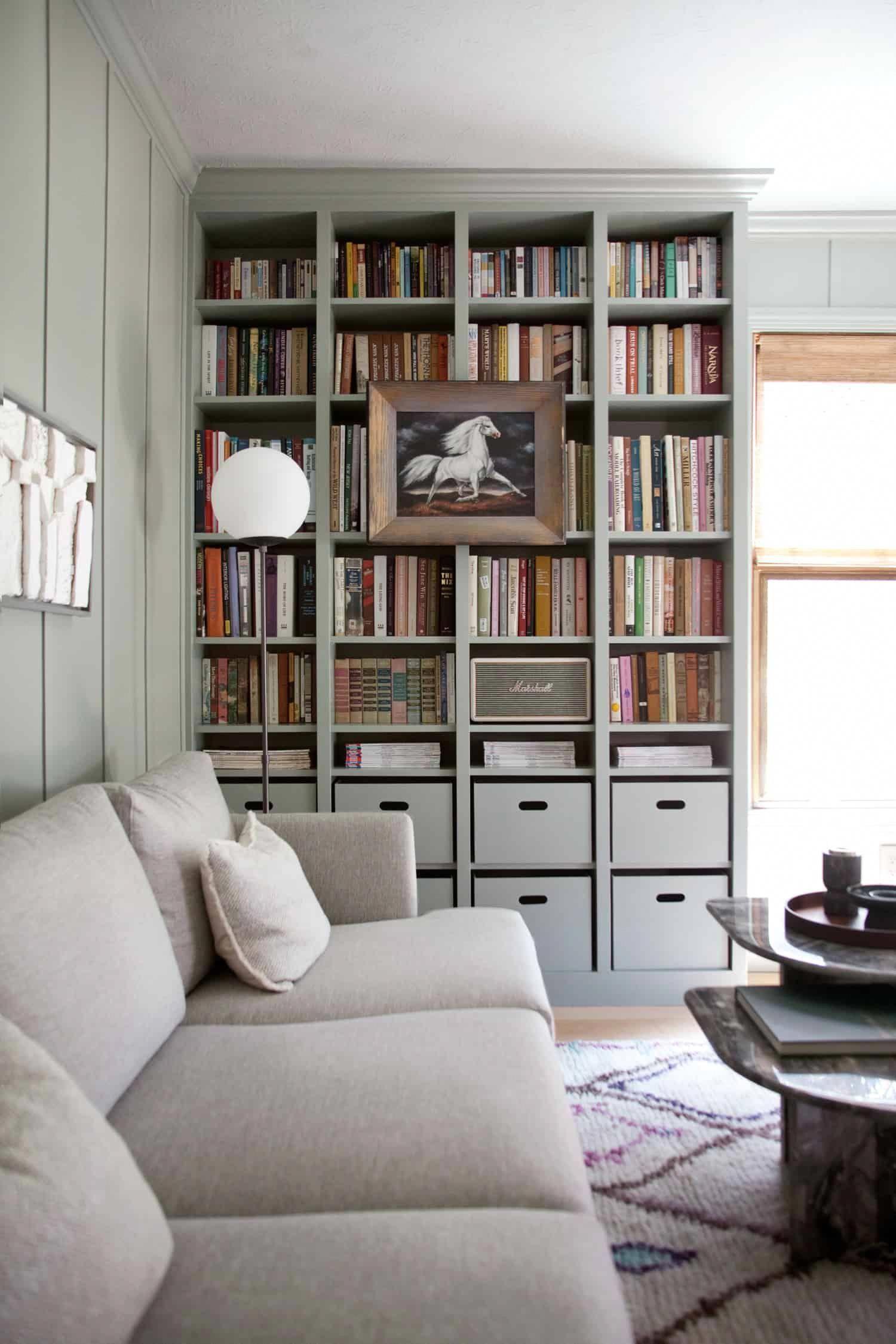 DIY Built In Bookshelves — IKEA Billy Bookcase Hack ...