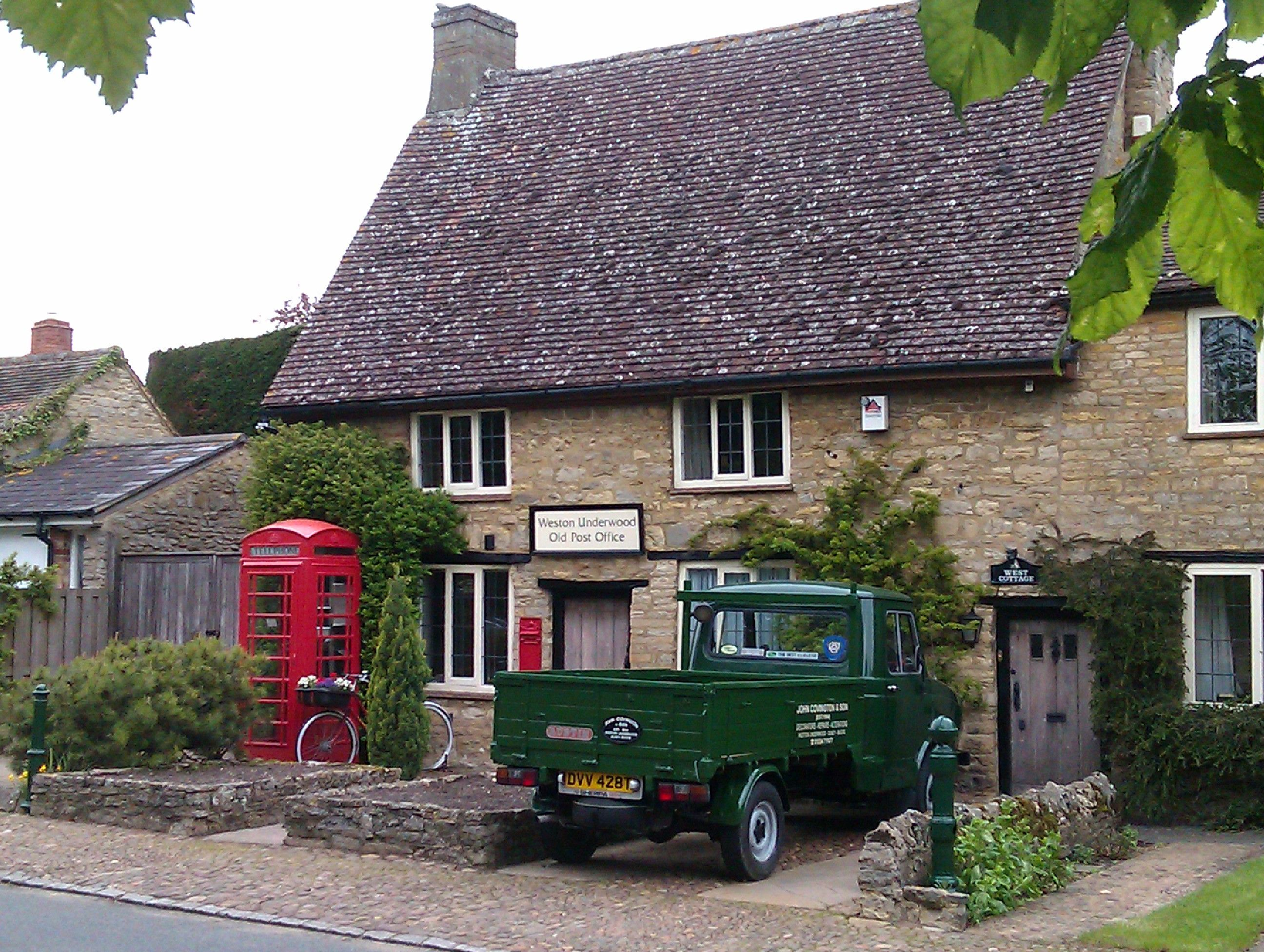 Very English, spot, classic vehicle, telephone box and the