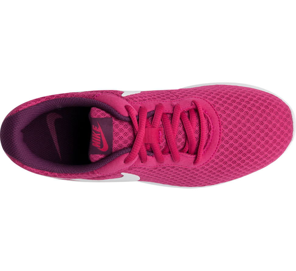 Nike Tanjun Ladies Trainers in Fuchsia | Deichmann