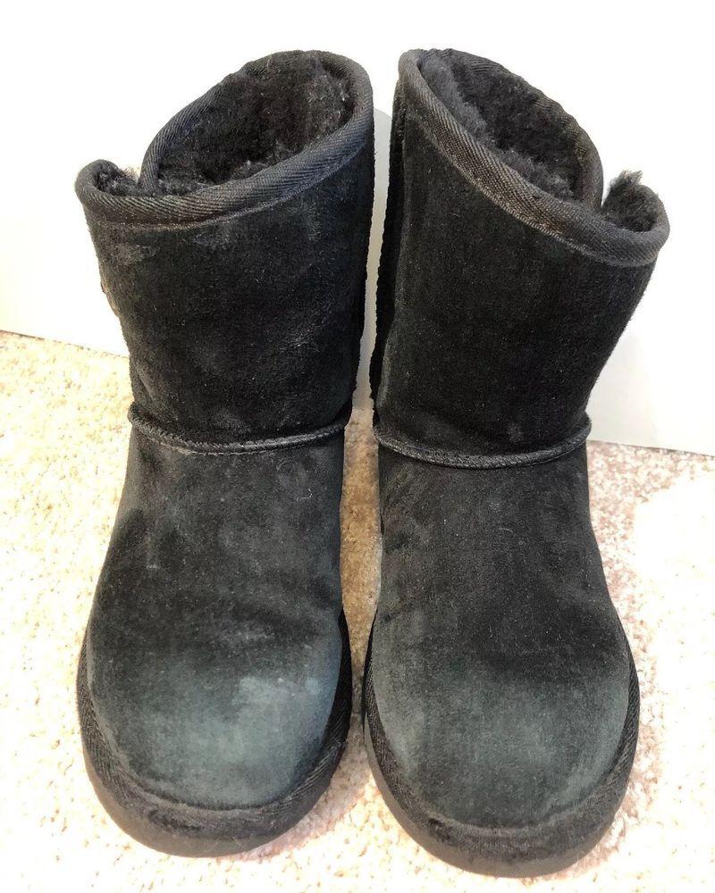 ba7da290062c UGG Australia Shawnee Black Toggle Short Boots Size Youth 3  fashion   clothing  shoes