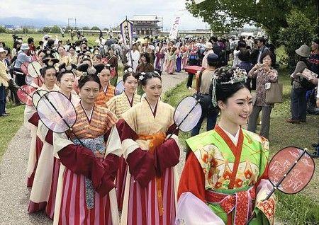 天平パレード   日本 文化、神社 巫女、古代史
