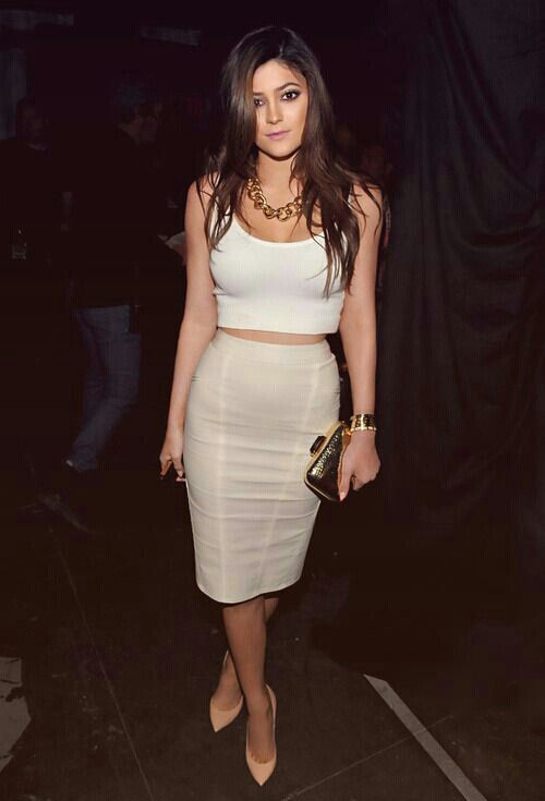 b520a58a123 Kylie Jenner loves this vma outfit.   doing the crop top style the right  way