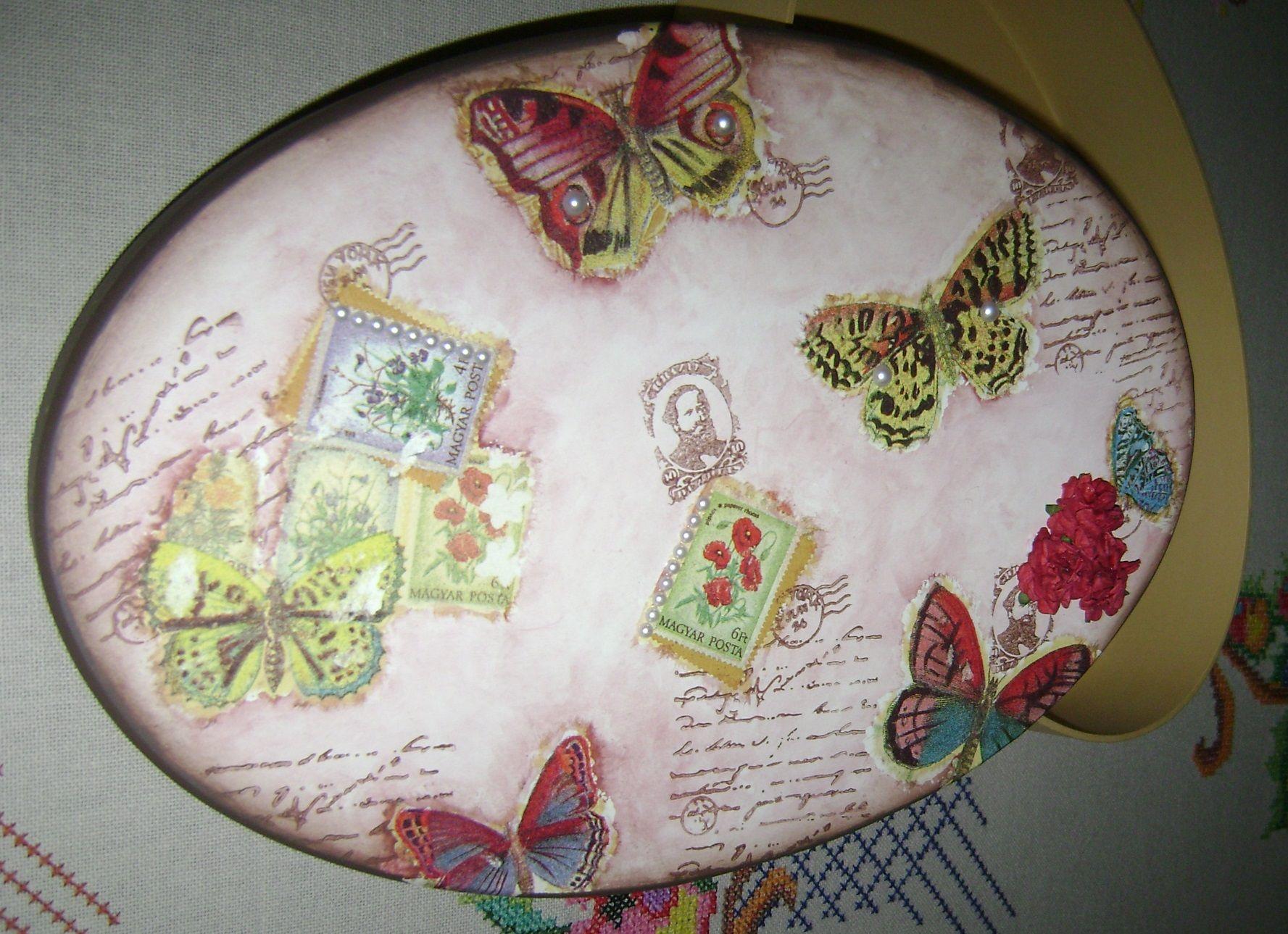 Caixa vintage com borboletas