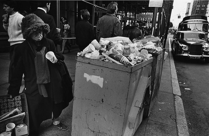 Photographer Richard Sandler recently released these black and white photographs of New York City in the
