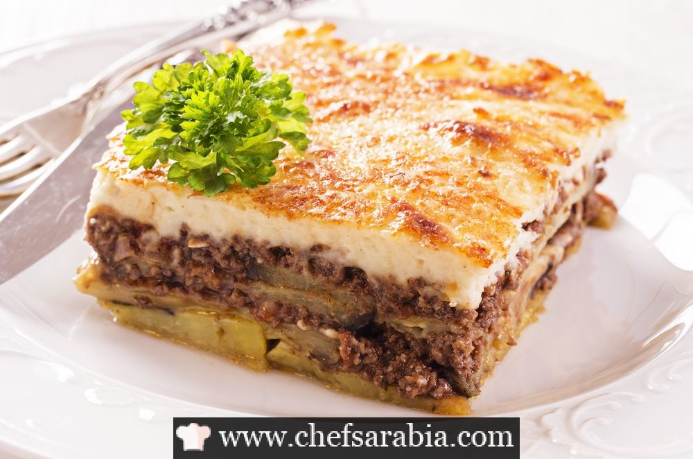 صينية بطاطس باللحم المفروم Greek Recipes Greek Dishes Traditional Greek Moussaka Recipe