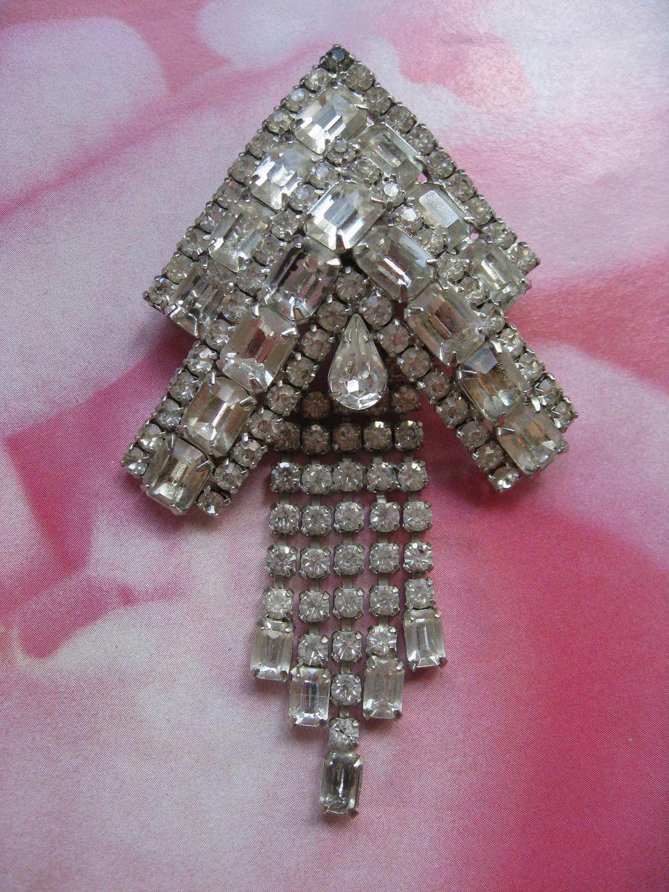 Big WEISS Vintage Rhinestone Pin Brooch Aurora Borealis