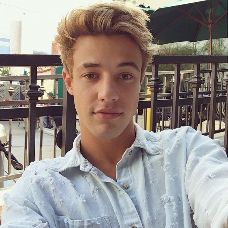 Cameron Dallas cute                                                                                                                                                                                 Mehr