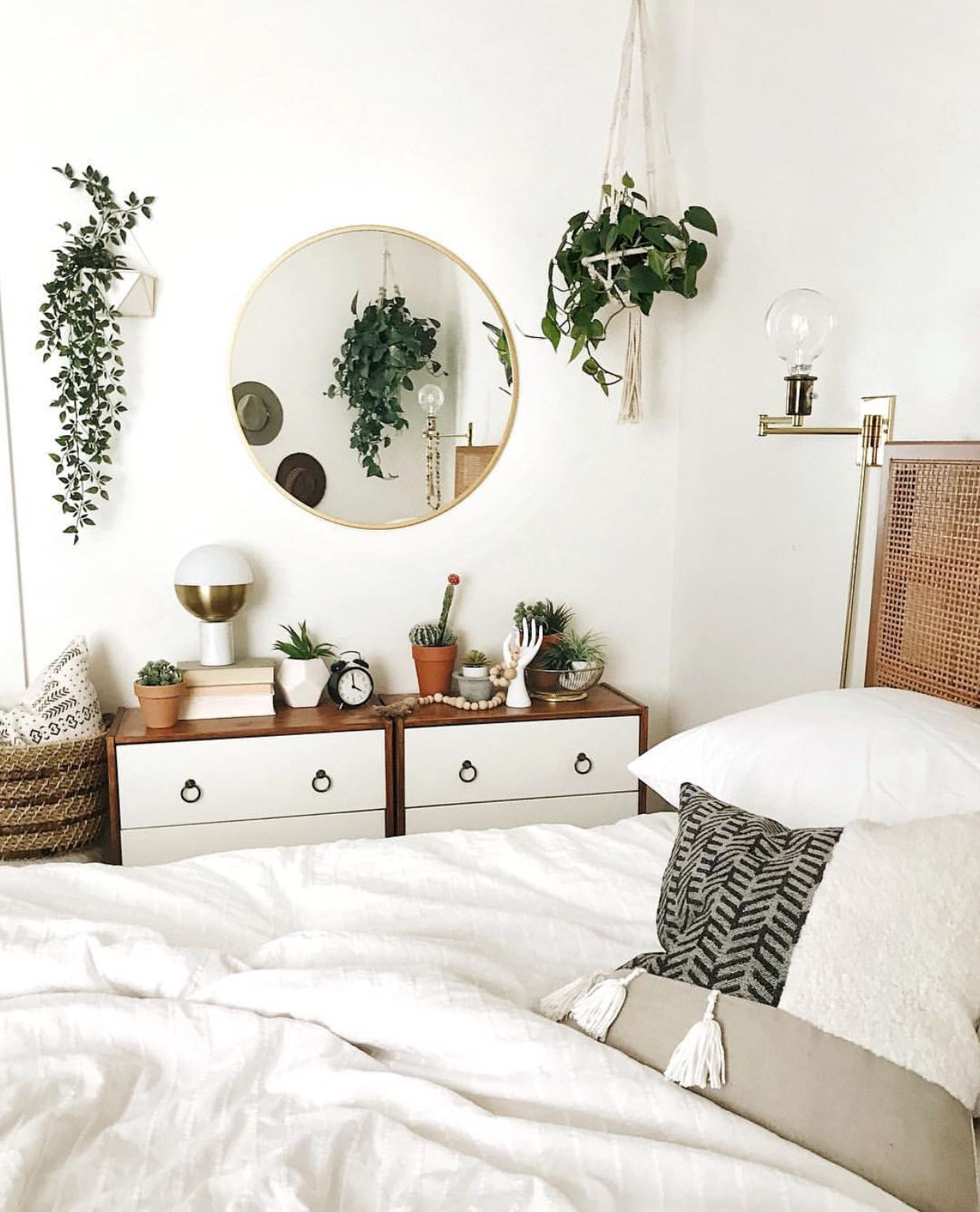 Pin by Emily Schultz on Cིྀuིྀtིྀeིྀ ... on Room Decor Paredes Aesthetic id=50205