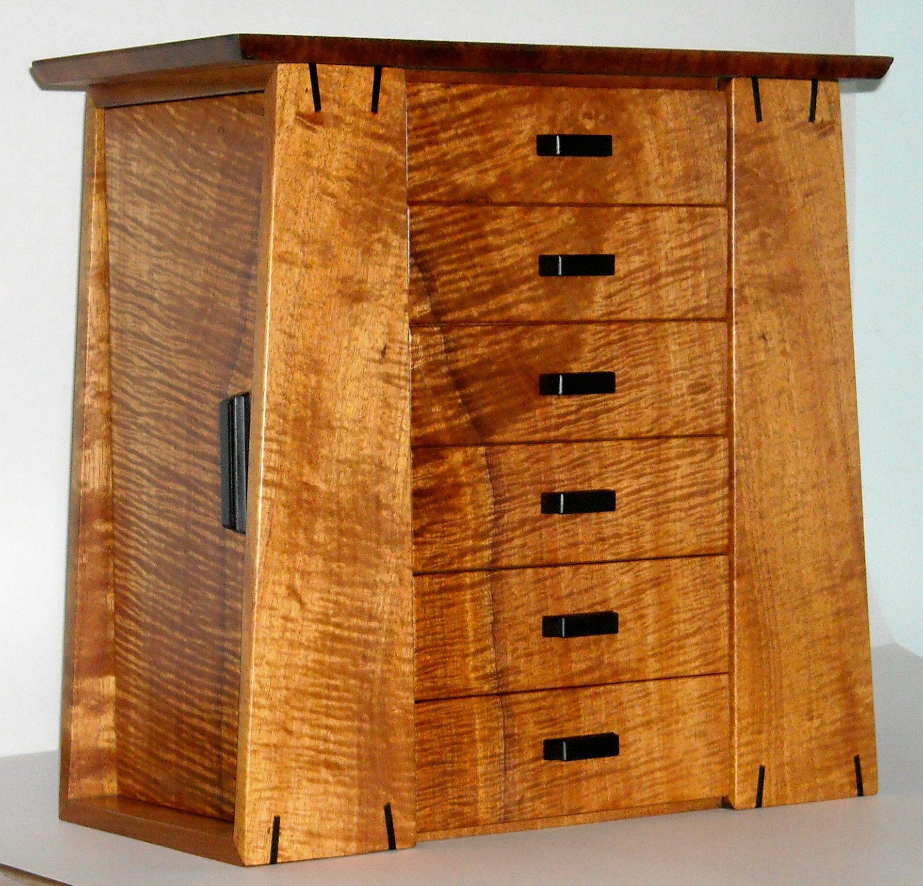 Koa Jewelry Box created by Thomas Pasquale of Kuaaina Artworks www