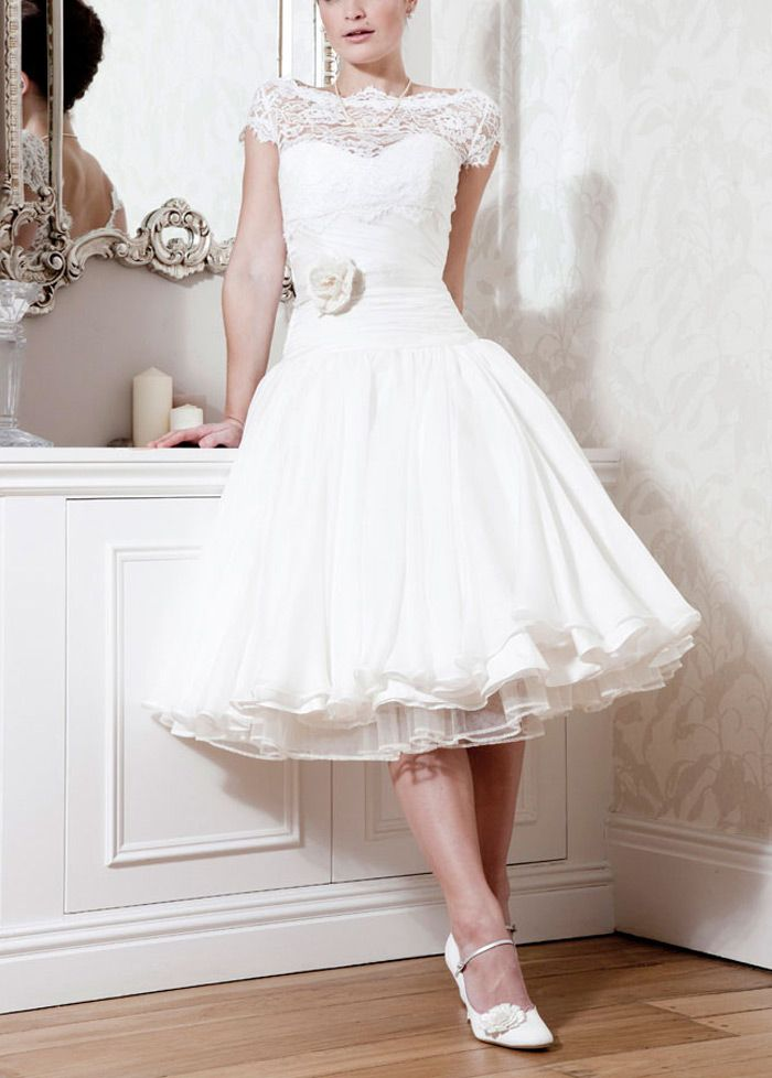 Short Over Lace & Organza Satin & Satin & Stabilized Tricot Ball ...