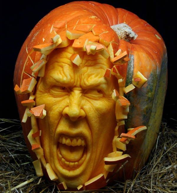 The Incredible JackOLantern Art Of Ray Villafane Pumkin - Mind blowing pumpkin carvings by ray villafane 2