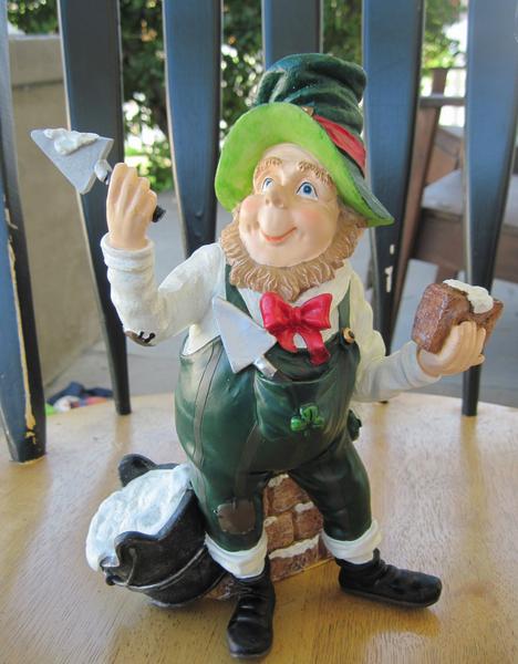 Figure/ Garden Statue Brick Layer Leprechaun