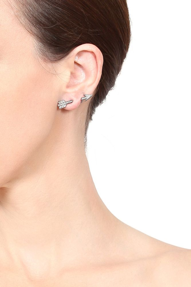 Arrow Earrings That Look Like They Ve Been Shot Through Your