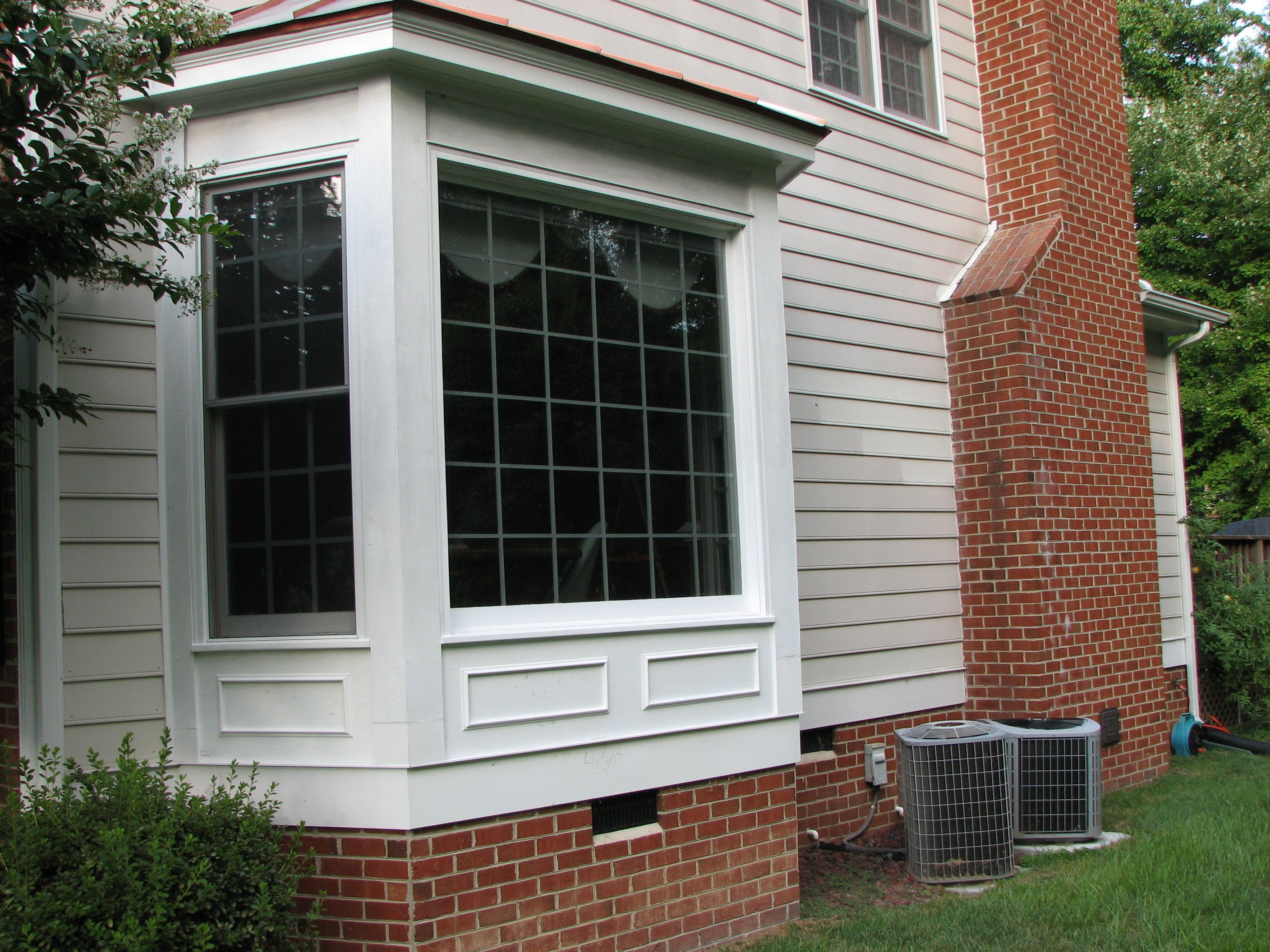 House windows frame design -  Bay Window Frame Designs