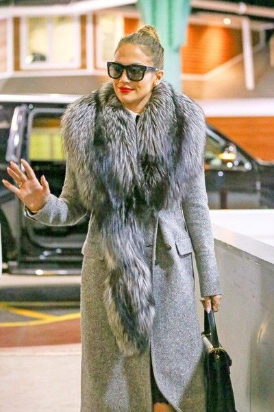 Jennifer Lopez Photos - Jennifer Lopez and Casper Smart Go Out in NYC - Zimbio