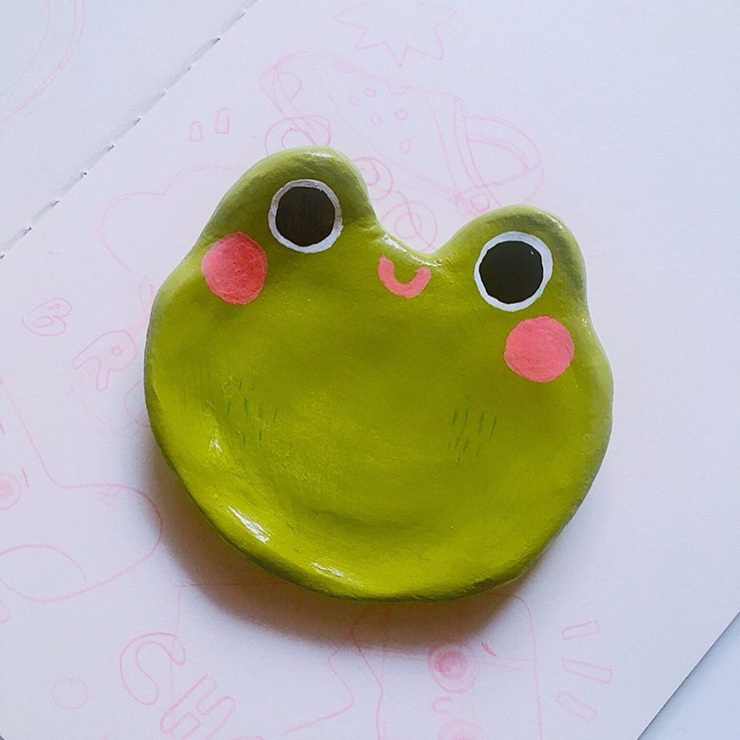 Very Unique Style Frogs On A Dish Stoneware Planter  Trinket Dish  Bowl