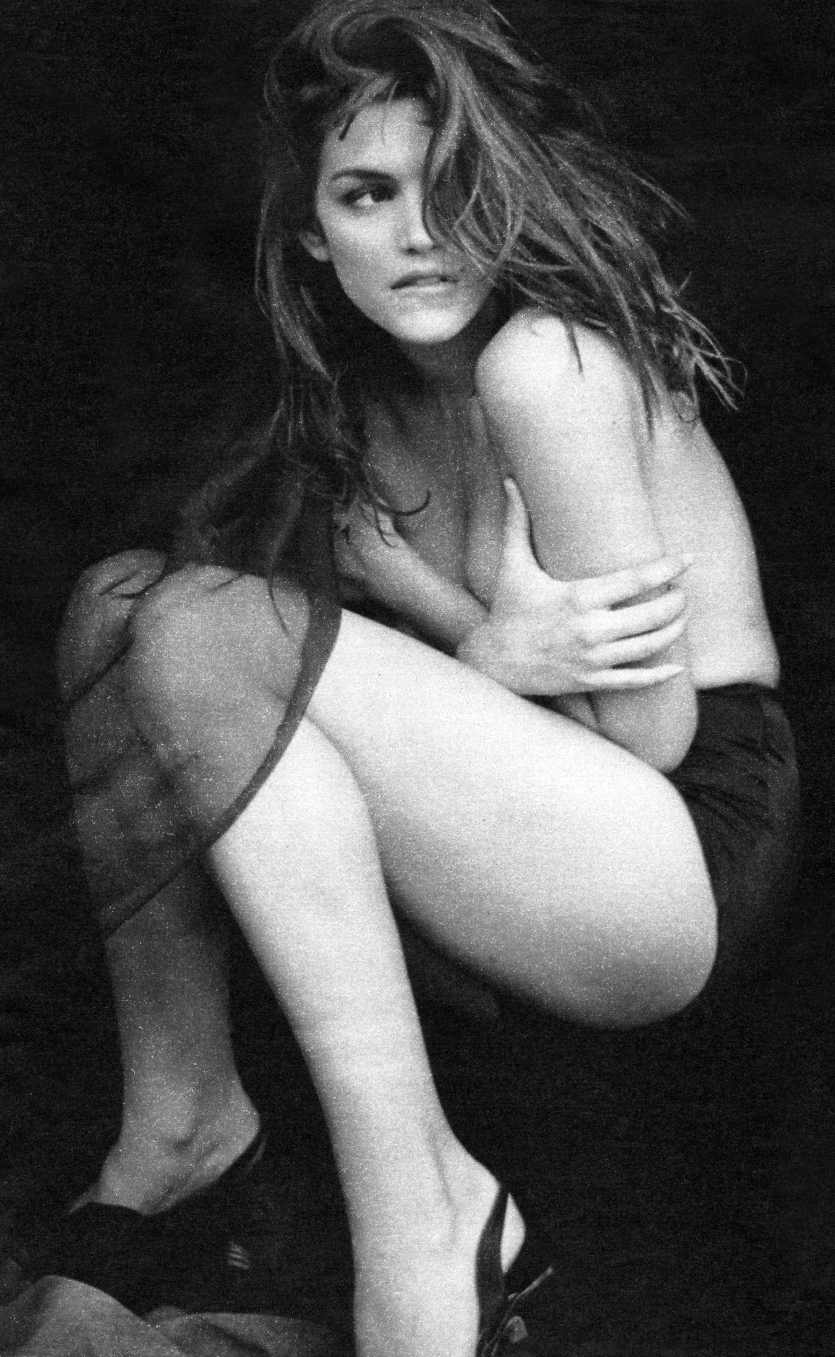 Emily ratajkowski karlie kloss topless sexy photos new pics