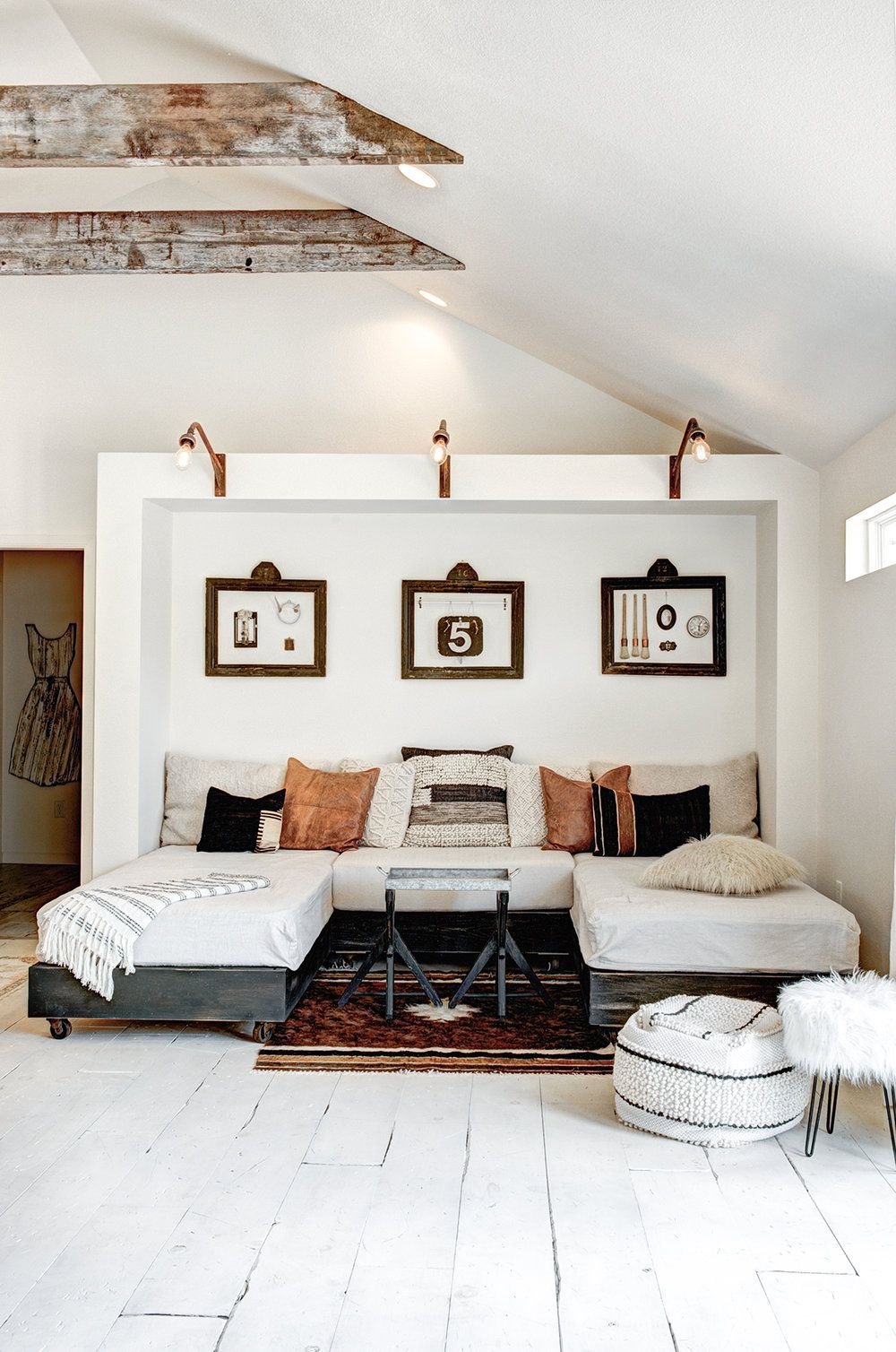 Decordemon boho cottage by the vintage round top also pin melaine  on my space home house decor rh pinterest