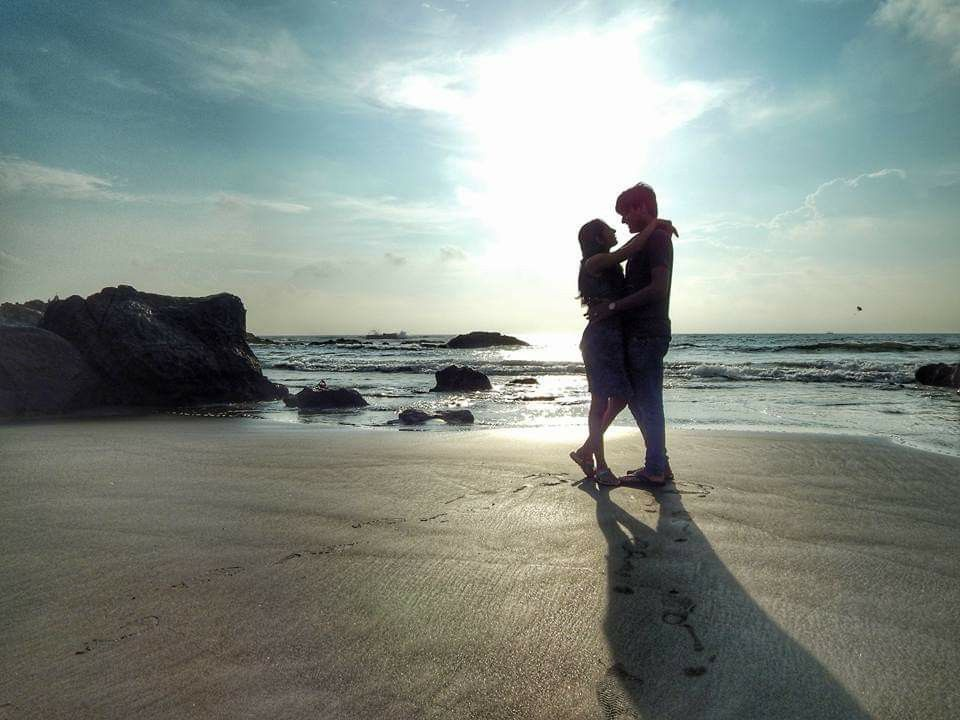Indian Pre Wedding Sunset Goa Couple Poses With Images Pre