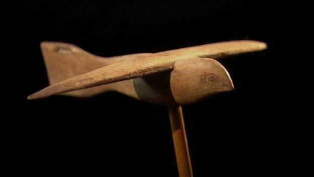 Oggetti moderni in tempi antichi l uccello di saqqara for Oggetti moderni
