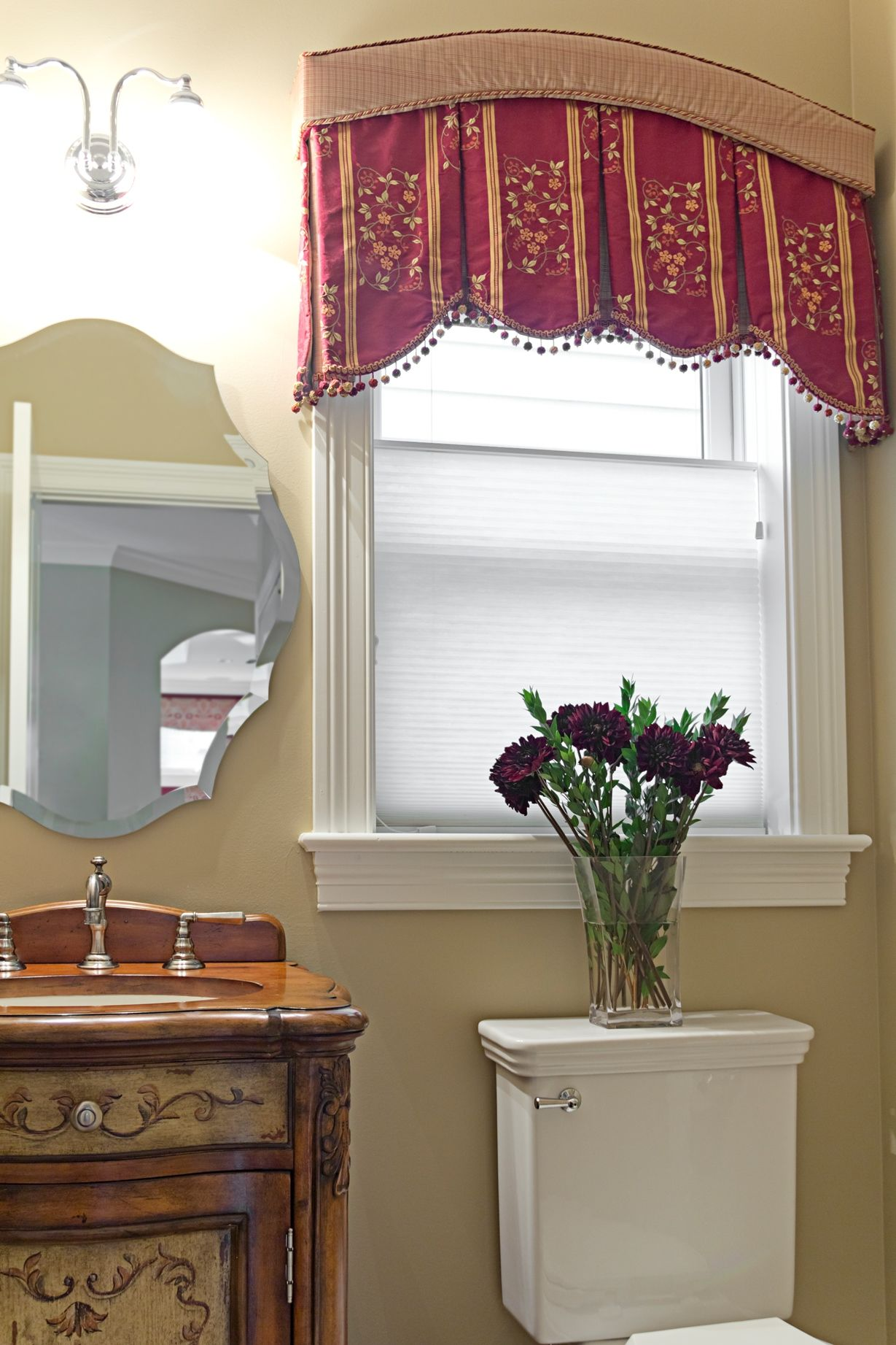 Very Unusual Box Pleated Valance With An Arched Cornice