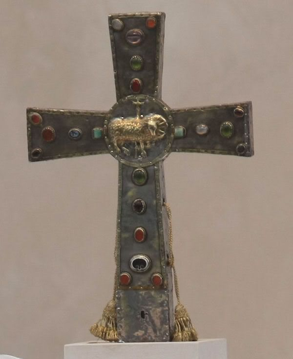 This cross, given by the Byzantine emperor Justin II to the people of Rome in the sixth century, was used in the Vatican's most solemn ceremonies at Christmas and Easter.