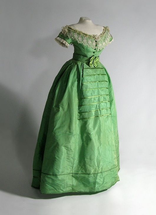 Evening dress ca. 1860-65 From the collection of Glennis Murphy