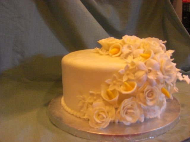 Very Simple But Elegant One Tier Wedding Cake For A Small