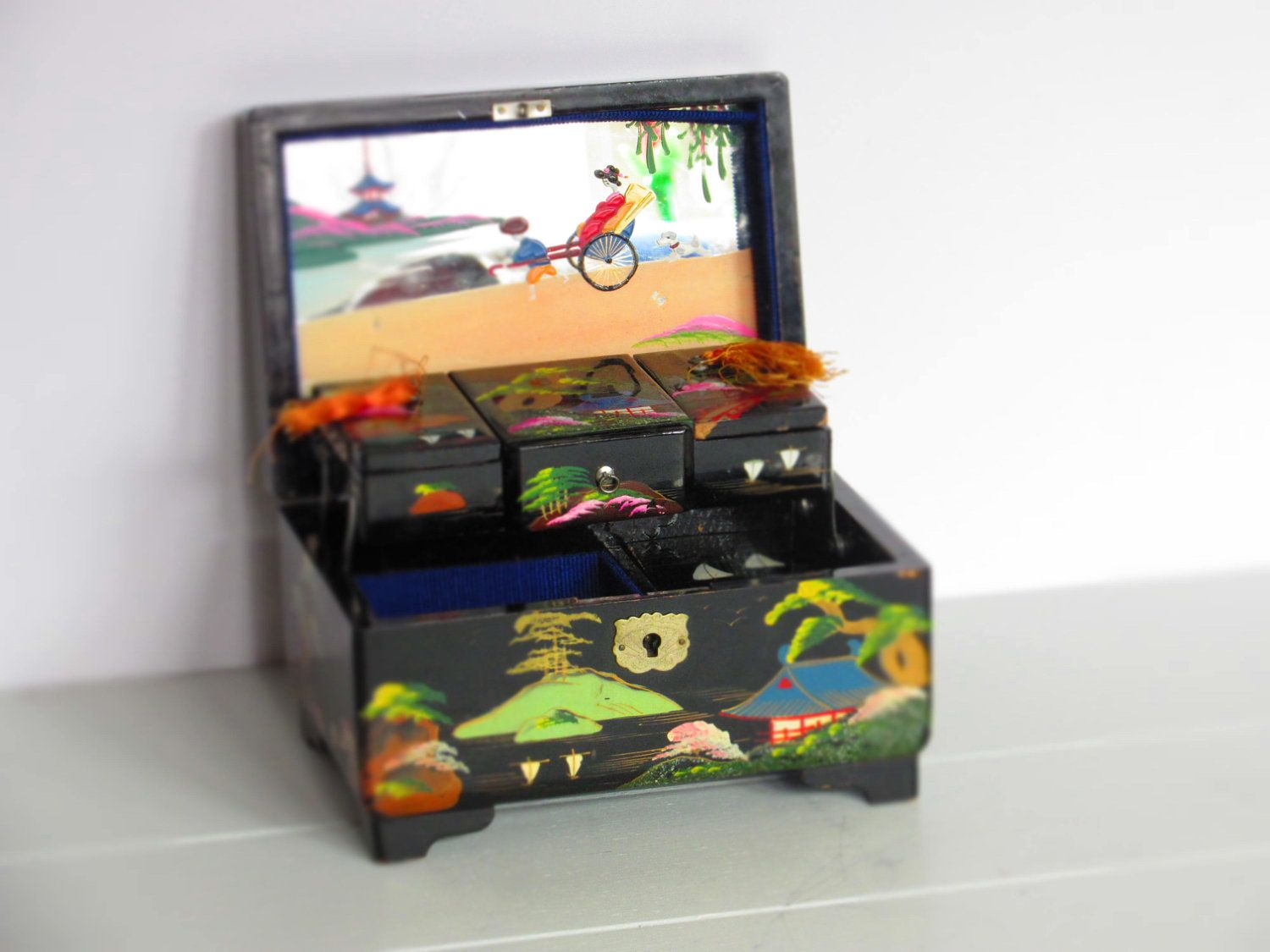 Japanese Jewelry Music Box Black Lacquer with Abalone Detail