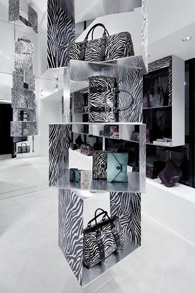 "Longchamp ""Flash"" shop, Tokyo, Japan designed by Curiosity"