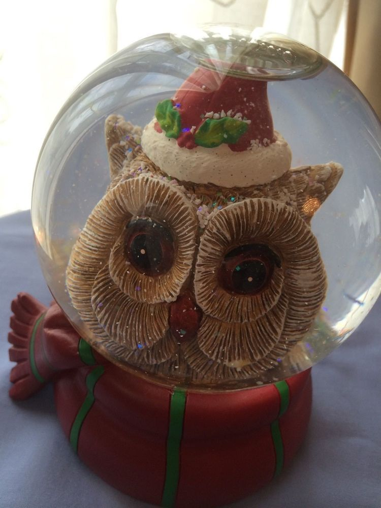 "Owl In Snow Globe Musical ""We Wish You a Merry Christmas and Happy New Year"""