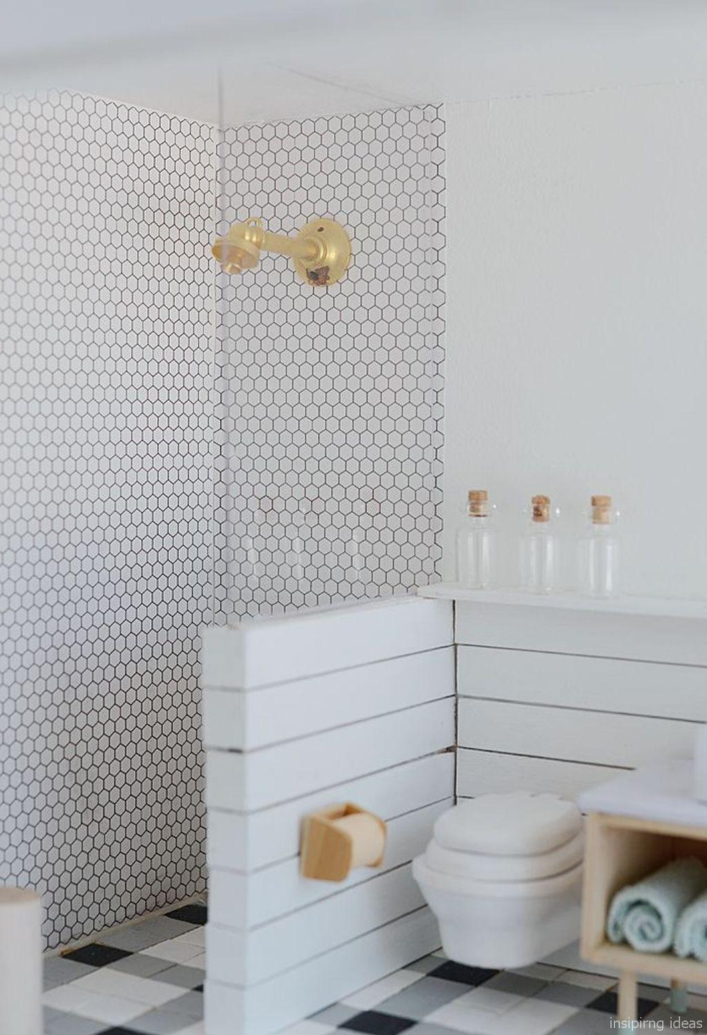 67 Incredible Modern Farmhouse Bathroom Tile Ideas 53 In 2020 Mit Bildern Barbie Haus Mobel Puppenhausmobel Barbie Puppe Haus