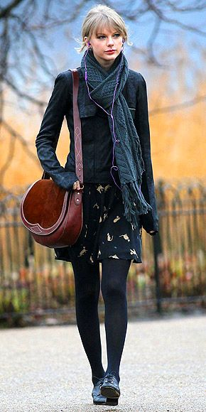 8513659a9e5b TAYLOR SWIFT Taylor really loves her Rugby Ralph Lauren saddlebag