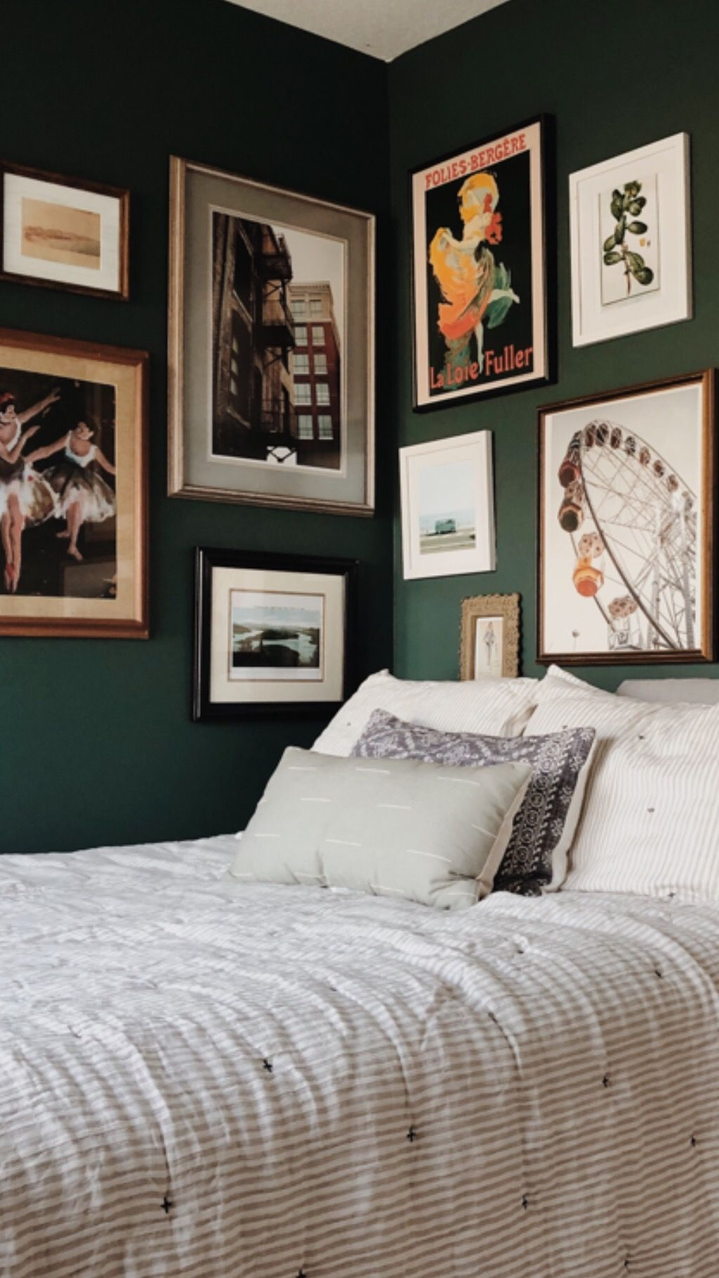 How to create an eclectic gallery wall gallery wall