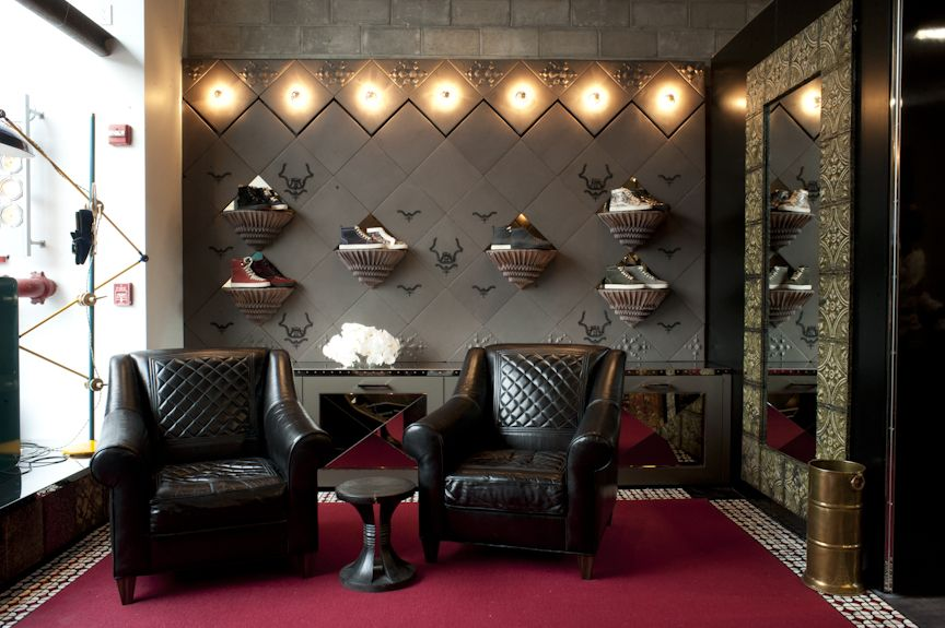 christian louboutin boutique homme paris