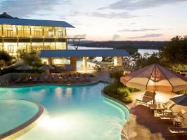 With splendid views of Lake Travis, Lakeway Resort and Spa combines Texas charm with modern simplicity.