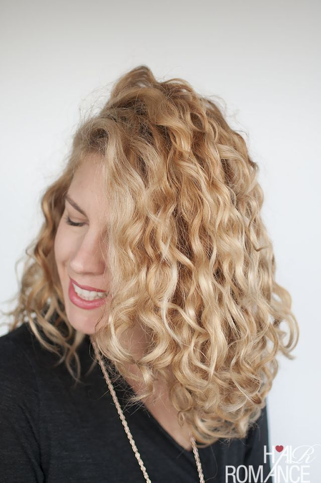 How To Style Curly Hair For Frizz Free Curls Video Tutorial Hair Romance Frizz Free Curls Curly Hair Styles Naturally Curly Hair Styles