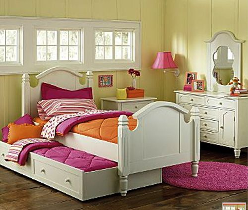 Very Cute Bedroom For A Little Girl. It Also Has Space For A Friend.