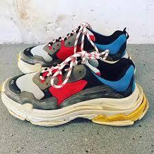 quality design 9ea9a df2a3 ... Raf Simons Adidas Ozweegos concept. Lúcia Pinheiro · Sapatilhas · Image  result for Balenciaga Triple-S Sneaker