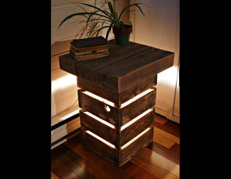 Rustic Reclaimed Wood Table With Light Rustic Industrial Furniture Industrial Design Furniture Vintage Industrial Furniture