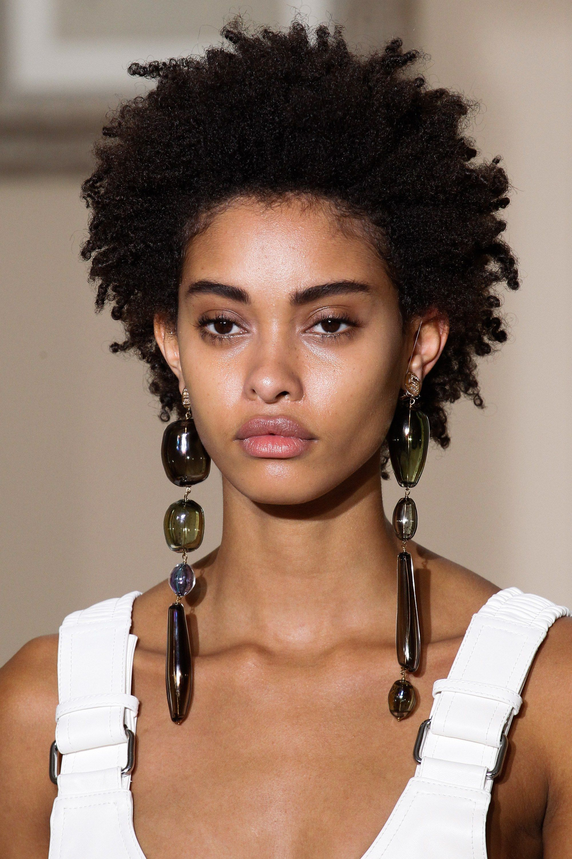 Schiaparelli Fall 2017 Couture Fashion Show Natural afro