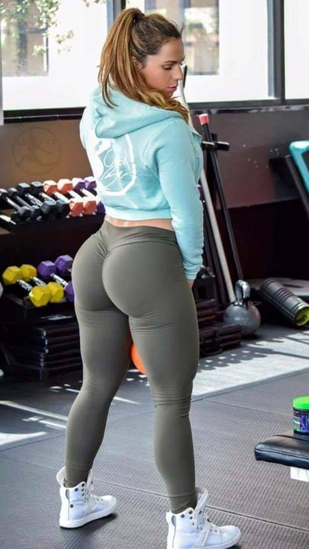 from Braylon sexy thick girl in yoga pants