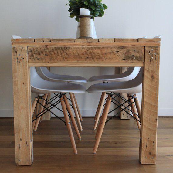 Pallet dining table in 2019 proyectos con paletas table palette table manger palette - Table a manger palette ...